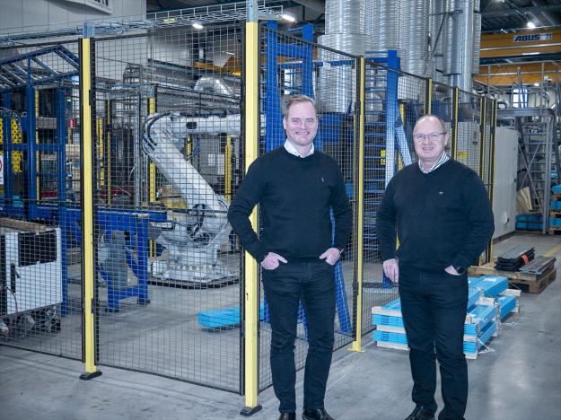 Urban Hadarsson, ny VD för Olofsfors, och Göran Nyberg, avgående VD på Olofsfors AB.
