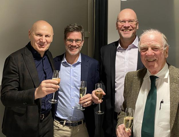 Från höger på bild: Daniele Bianchini, VD Tecomec, Oscar Löwenhielm, VD Markusson, Pär Markusson, fd delägare Markusson och Björn Löwenhielm, fd styrelseordförande Markusson.