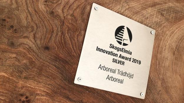 Mobilappen Arboreal Trädhöjd, som utvecklas i samarbete med Sveaskog, har tilldelats silver i SkogsElmia Innovation Award 2019.