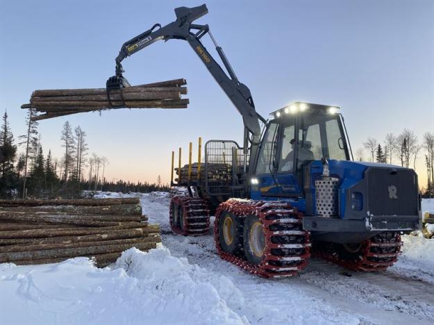 Det går bra för Rottne Industri i Kanada. Orderingången växer stadigt och nu byggs ett nytt ÅF-nät upp i landet.