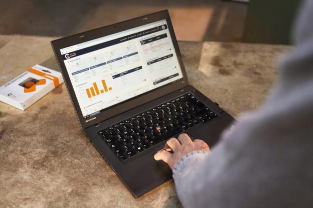 Med elektroniska sensorn STIHL Smart Connector, STIHLs app och portalen STIHL Connect Pro Portal för professionella användare kommer användarna ha tillgång till värdefull användningsstatistik, historik och en direktkoppling till återförsäljare för maskinservice.