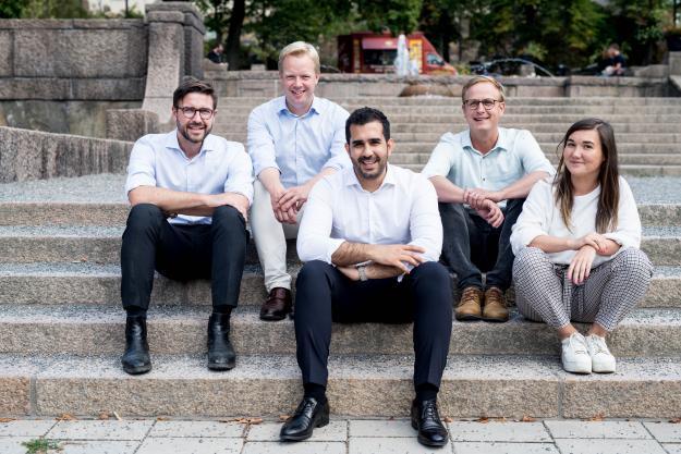 <span>(från vänster) Per Hedberg, Johan Wachtmeister, Adam Aljaraidah, Carl Johan Moberg, Caroline Brander</span>