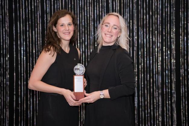 Angeline Elfström, Customer Relations Manager på Södra, och Linda Ottosson, ansvarig för Södra Cells marknadskommunikation, som ledde kampanjen tillsammans med försäljningschef Marcus Hellberg.