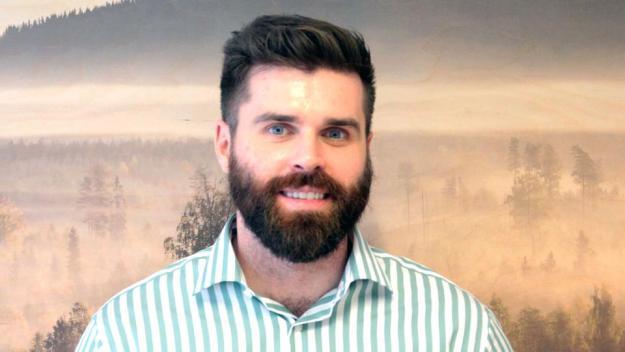 Carl Moser har rekryterats till den nya tjänsten somSkogsindustrierna inrättat för att locka fler högskoleutbildade till att jobba inom skogsindustrin.