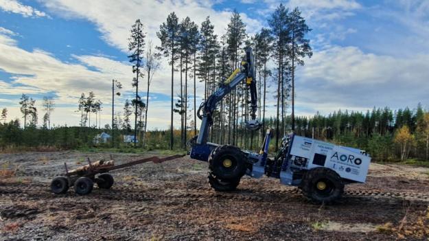 Världspremiären för den autonoma skotningen skedde i Hörnefors i Västerbotten förra veckan och är resultatet av ett samarbete mellan Luleå tekniska universitet, Sveriges lantbruksuniversitet och Skogstekniska klustret.